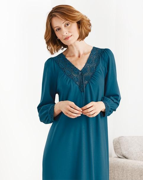 look for dbf0a a7f8d Luxusbekleidung, Damennachtwäsche und exklusive Strickwaren ...